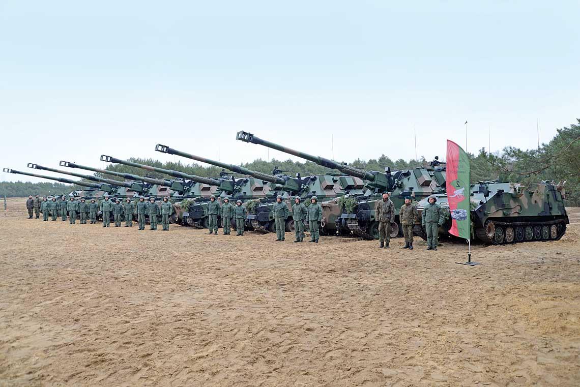 Część sprzętu pierwszej baterii DMO Regina 155 mm armatohaubic samobieżnych Krab przekazanego uroczyście 25 marca 2019 r. 2. dywizjonowi artylerii samobieżnej 5. Lubuskiego pułku artylerii zSulechowa.