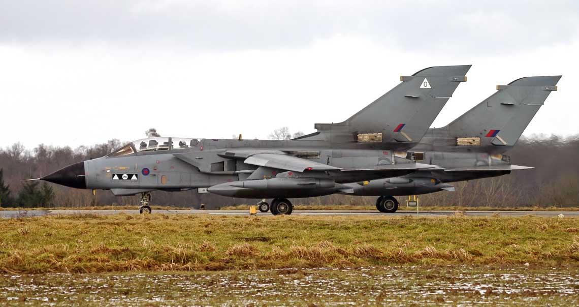 Tornado GR.4A (na pierwszym planie) z numerem seryjnym ZG711 uczestniczył w szkoleniu Tactical  Leadership Program w bazie Florennes w Belgii w lutym 2006 r. Samolot utracono  w tym samym roku w wyniku zderzenia z ptakiem.