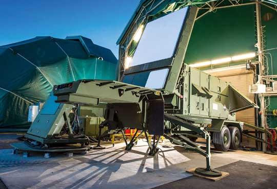 W II fazie Wisły MON chce kupić taki radar, jaki wybierze US Army w programie LTAMDS, w którym rywalizują Lockheed Martin z Raytheonem. Ten ogłosił w lutym, że w konkursie oferuje zupełnie nową stację zamiast promowanej dotąd.