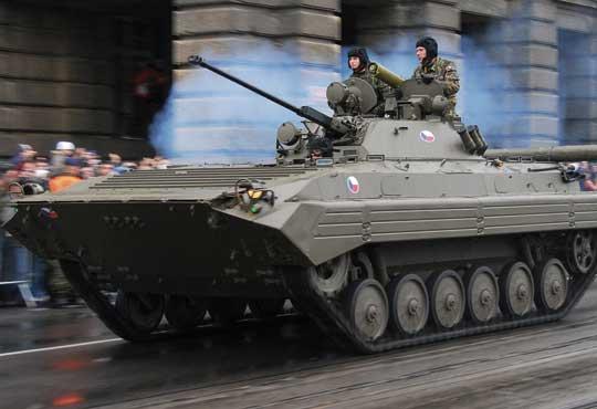 Nowością drugiej dekady lat osiemdziesiątych miały być bojowe wozy piechoty BWP-2. Zamierzano przezbroić w nie pułki, które nie doczekały się BWP-1…