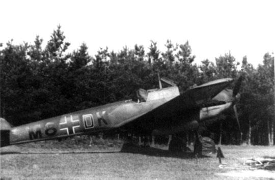 Widziany na zdjęciu niszczyciel Bf 110C M8+DK to maszyna Lt. Helmuta Fahlbuscha z 2. Staffel, która doznała drobnych uszkodzeń podczas walki z myśliwcami Brygady Pościgowej 9 września 1939 r.