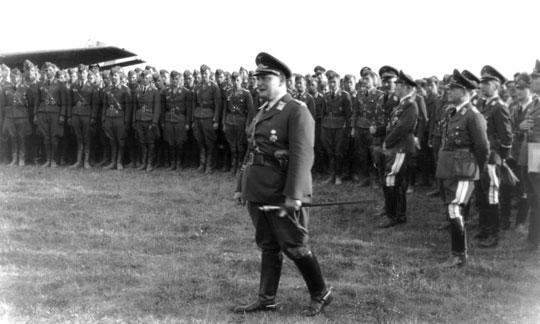 13 września 1939 r. na kieleckie lotnisko przybył z wizytą Generalfeldmarschall Hermann Göring.