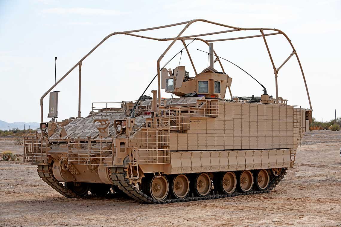 Przed wejściem do służby, co ma nastąpić wprzyszłym roku, transportery AMPV są poddawane wszechstronnym testom. Na zdjęciu pojazd w wersji M1283 General Purpose.