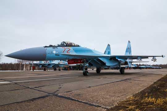 Prace nad Su-35S zapoczątkowano w 2003 r. Pięć lat później myśliwiec po raz pierwszy wzbił się w powietrze. Wprowadzenie do służby liniowej w rosyjskim lotnictwie pierwszych dwunastu samolotów myśliwskich tego typu miało miejsce pomiędzy grudniem 2012, a grudniem 2013 roku. Pełną gotowość bojową na Su-35S osiągnięto we wrześniu 2017 r.