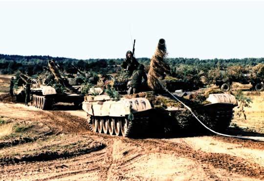 Symbolem modernizacji broni pancernej w tym okresie był czołg T-72 produkowany w naszym kraju na podstawie radzieckiej licencji.