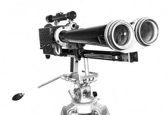 Model pierwszego dalmierza laserowego powstałego wzespole Zbigniewa Puzewicza wlatach 1966–1967.