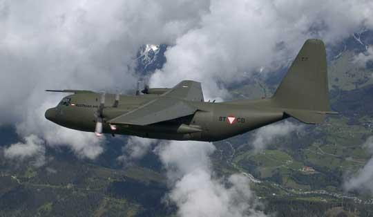 Austria posiada trzy średnie samoloty transportowe C-130K, które pozyskano z zapasów brytyjskiego lotnictwa wojskowego. Pozostaną w służbie co najmniej do 2025 r. Fot. Bundesheer