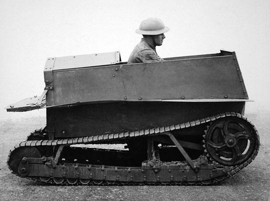 Carden-Loyd One Man Tankette – pierwszy model jednoosobowej tankietki przygotowanej przez Johna Cardena i Viviana Loyda (zbudowano dwa egzemplarze, różniące się szczegółami).
