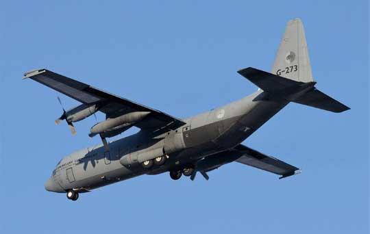 Holandia dysponuje czterema samolotami transportowymi Lockheed Martin C-130H Hercules, z których dwa to transportowce w tzw. przedłużonym wariancie C-130H-30. Fot. RNAF