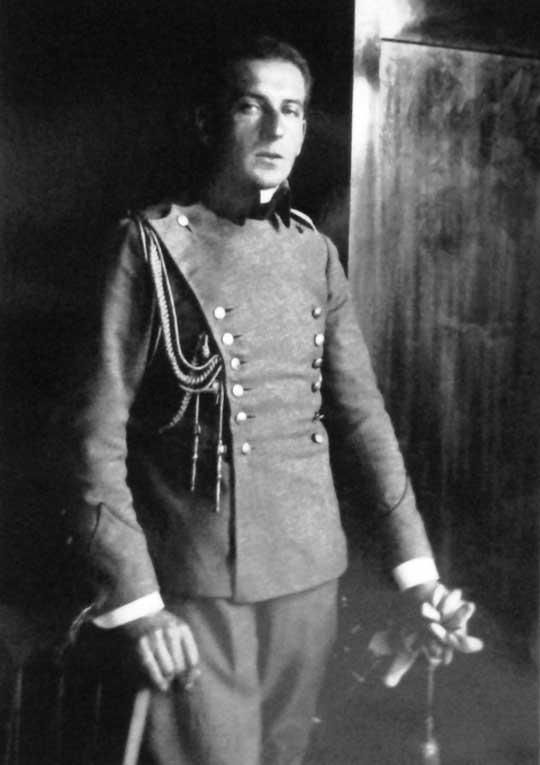 W sierpniu 1915 r. w składzie misji specjalnej udał się do Warszawy, zajętej przez wojska niemieckie.
