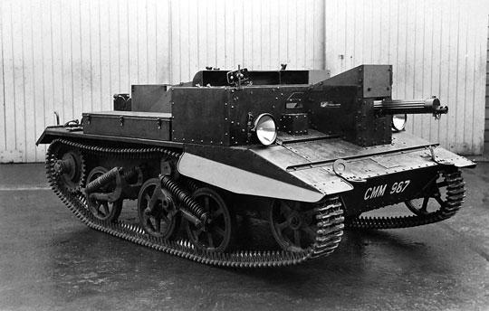 Z tankietek Carden-Loyd wywodzi się gąsienicowy lekki transporter opancerzony Universal Carrier, który był najliczniejszym alianckim pojazdem pancernym w drugiej wojnie światowej.
