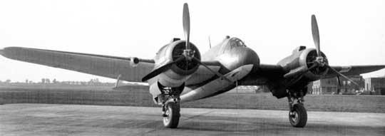 W dwumiejscowym, dwusilnikowym myśliwcu Beaufighter cztery 20 mm działka Hispano Mk III zabudowano pod przodem kadłuba. Na zdjęciu pierwszy prototyp.