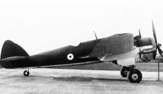 26 lipca 1940 r. Ministerstwo Lotnictwa oficjalnie przyjęło samolot myśliwski Bristol Beaufighter I do służby w Królewskich Siłach Powietrznych Wielkiej Brytanii. Na zdjęciu czwarty prototyp.