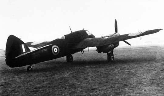 Zastosowanie Merlinów XX spowodowało zmianę powierzchni bocznych Beaufightera II i pogorszenie stateczności kierunkowej samolotu. Problem rozwiązano wprowadzając 12˚ wznios usterzenia poziomego.