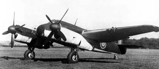 Beaufighter II (T3177), na którym próbowano silniki rzędowe Rolls-Royce Griffon IIB. Prób tych nie zakończono ze względu na rozbicie samolotu.