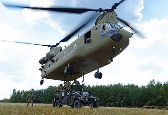 Jednym zpowodów zlecenia prac nad BlockII był brak możliwości podwieszenia pojazdu JLTV pod kadłubem CH-47F BlockI, dla których HMMWV jest granicą udźwigu.