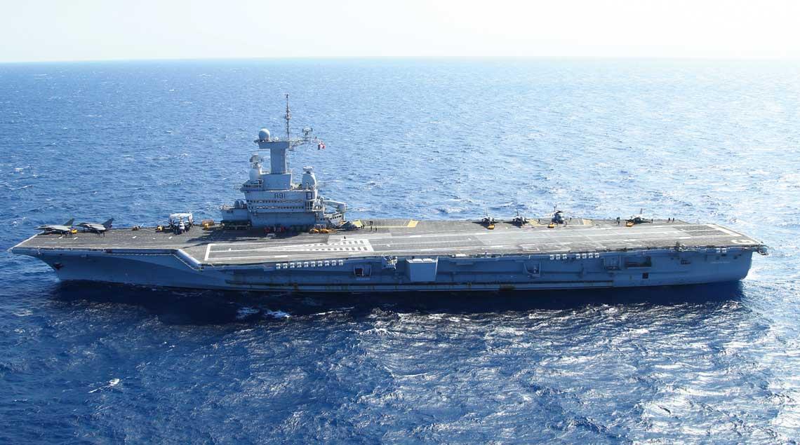 Charles de Gaulle  (R 91) – francuski lotniskowiec  o napędzie atomowym (jedyna nie-amerykańska jednostka tego rodzaju w służbie na świecie), okręt flagowy francuskiej marynarki wojennej.