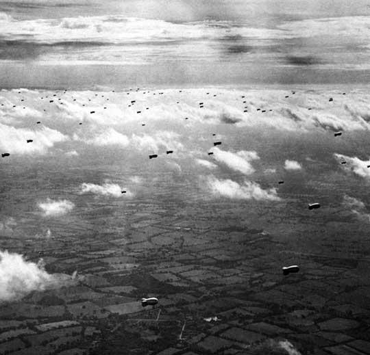 Łącznie w systemie Obrony Powietrznej Wielkiej Brytanii Dowództwo Balonowe postawiło na niebie około 2000 balonów. Ich ofiarą padło około 300 samolotów-pocisków V-1.