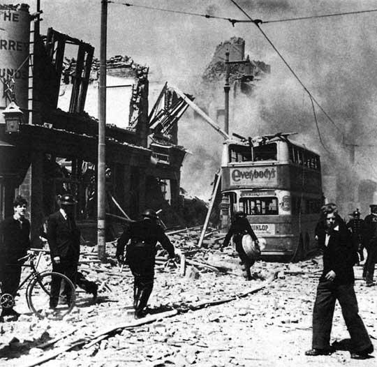 12 października 1944 r. Hitler wydał rozkaz skoncentrowania ataków V-2 na Londynie i Antwerpii – ważnym porcie, przez który wkrótce miało pójść zaopatrzenie dla alianckich wojsk walczących na kontynencie.