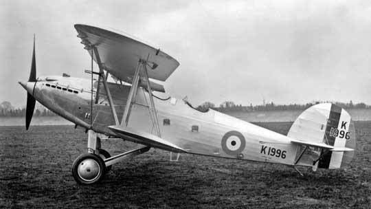 Hawker Hart, pierwszy z rodziny niezwykle udanych dwupłatów o konstrukcji mieszanej, metalowej z płóciennym pokryciem i niektórymi elementami drewnianymi, z kadłubem w postaci metalowej kratownicy łączonej na nity za pośrednictwem niewielkich blaszanych trójkątów. Był to lekki samolot bombowy z przełomu lat 20. i 30. XX wieku.