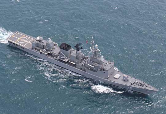 Fregata Naresuan typu F25T po modernizacji. Widać nowe lub zmodernizowane wyposażenie wpostaci modułu VLS Mk41 isystemów radiolokacyjnych Sea Giraffe AMB oraz CEROS 200.