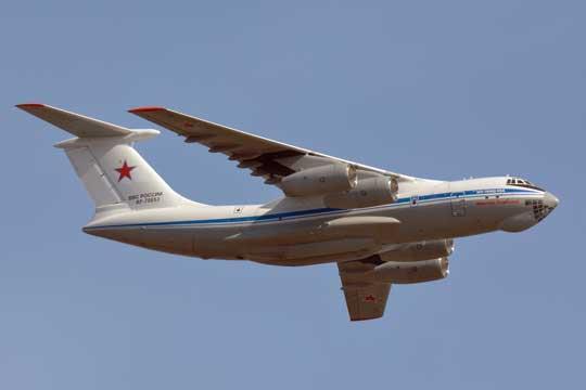 Ten sam samolot  RF-78653 po przekazaniu wojsku otrzymał czerwone gwiazdy. Samolot należy do 610. ośrodka zastosowania bojowego i przeszkalania załóg lotnictwa transportowego w Iwanowo.