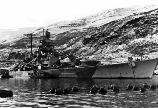 Wiosną 1943 r. dzięki przechwyceniu przez pracownika berlińskiej placówki Wydziału Zachodniego CSW NSZ pocztówki wysłanej przez niemieckiego marynarza udało się zlokalizować niemiecki pancernik Tirptiz w fiordzie w Altenfiord w Norwegii, który został następnie zatopiony w wyniku brytyjskiego nalotu 18 listopada 1944 r.