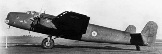 7 stycznia 1938 r., jeszcze zanim prototyp samolotu bombowego Halifax wzbił się w powietrze, zostało złożone zamówienie na pierwszych sto seryjnych bombowców tego typu dla RAF Bomber Command.