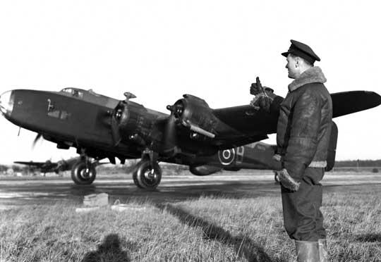 Ciężki samolot bombowy Handley Page Halifax B Mk III był pierwszą wersją wyposażoną w silniki gwiazdowe Bristol Hercules XVI. Kolejna wersja – wysokościowa B Mk IV – pozostała w projekcie.