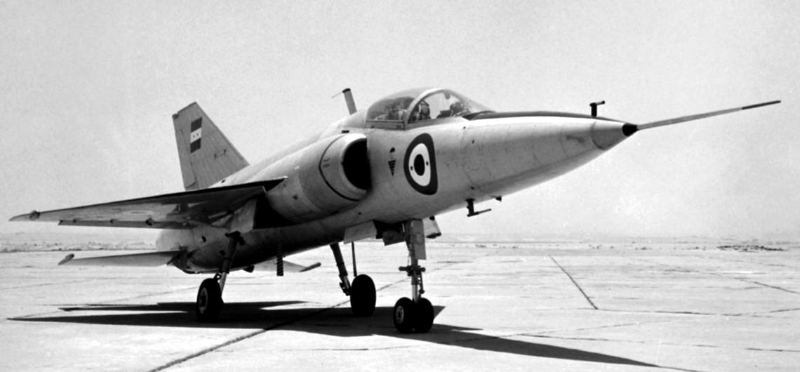 Drugi prototyp HA-300.002. Samolot jest także napędzany silnikiem Orpheus 703, został oblatany przez Bhargavę 22 lipca 1965 r., a 29 marca 1967 r. po raz pierwszy przekroczył prędkość dźwięku.