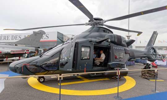 Makieta Airbusa H160M Guepard cieszyła się bardzo dużą popularnością gości salonu. Wielozadaniowy śmigłowiec ma zostać w przyszłej dekadzie podstawowym lekkim wiropłatem francuskiego wojska.