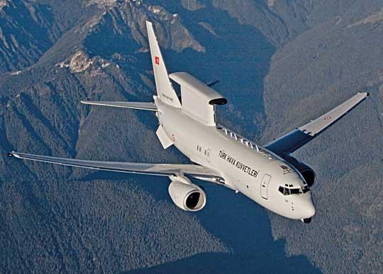 Technicznym symbolem nowoczesności Sił Zbrojnych Turcji mogą być samoloty wczesnego wykrywania idowodzenia Boeing 737 AEW&C Peace Eagle, kupione wStanach Zjednoczonych.