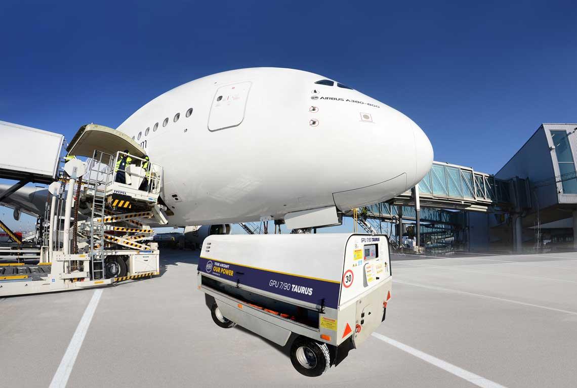 GPU 7/90 TAURUS obsługujący największy  pasażerski samolot świata Airbus A380.