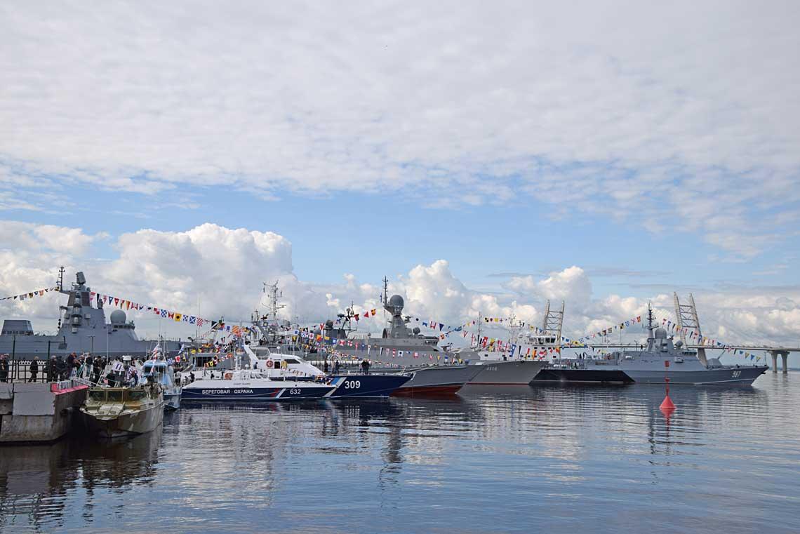 Możliwość zwiedzania najnowszych rosyjskich okrętów jest bezapelacyjnie atutem IMDS, dostrzeganym zarówno przez specjalistów, jak i publiczność.