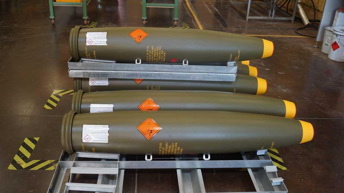 Produkowana wPolsce icertyfikowana przez RWM Italia bomba spełnia wysokie wymagania jakościowe stawiane przez RWM Italia ijest wpełni wymienna zbombą lotniczą serii Mk 82 produkcji włoskiej.