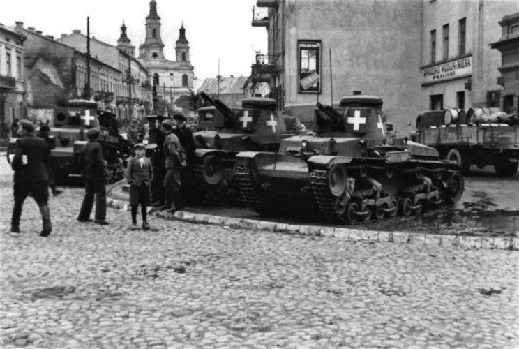 W okresie 1-25 września 1939 r. 1. DLek raportowała największe (obok 4. DPanc) straty w czołgach utraconych, uszkodzonych lub zepsutych spośród niemieckich dywizji (77 PzKpfw 35(t), 8 PzKpfwII i9PzKpfw IV), lecz większość z nich spowodowana była awaryjnością widocznych na zdjęciu czeskich czołgów PzKpfw 35(t), z których ostatecznie straty bezpowrotne, po remontach, ograniczyły się do7wozów.