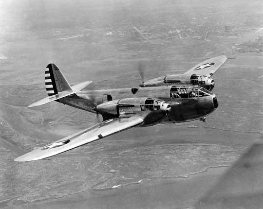 Pierwszym samolotem skonstruowanym w firmie Bell był wielomiejscowy, dwusilnikowy myśliwiec eskortowy dalekiego zasięgu XFM-1 Airacuda. Prototyp oblatano 1 września 1937 r.