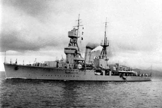 Chiński krążownik – zbudowany w Japonii – Ning-Hai.