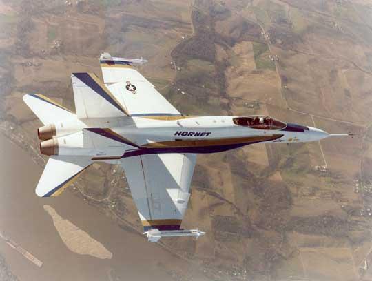 Oblot wielozadaniowego samolotu myśliwskiego bazowania pokładowego F/A-18 Hornet przeprowadzono 18 listopada 1978 r. Do 2000 r. zbudowano 1488 samolotów tego typu.