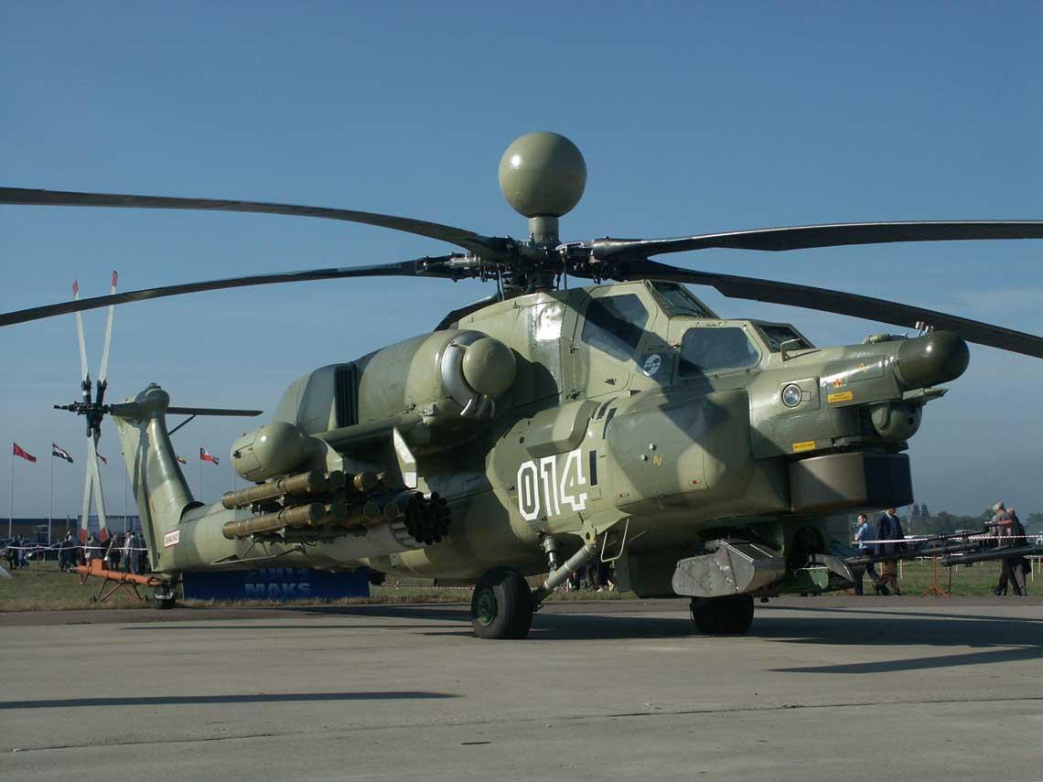 """Pierwszy egzemplarz wersji Mi-28N """"014"""" został wykonany przez warsztaty Mila i po raz pierwszy wystartował 14 listopada 1996 r. Później jednak musiał do 2002 r. czekać na nową przekładnię główną."""