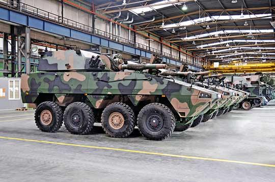 11 października 2019 r. konsorcjum Huty Stalowa Wola S.A. iRosomak S.A. zawarło zInspek- toratem Uzbrojenia MON umowę na dostawę wybranych elementów do dwóch kolejnych kompanijnych modułów ogniowych 120 mm moździerzy samobieżnych na podwoziu kołowym Rak.