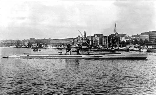U118 typu XB wiosną 1942r. w Kilonii.