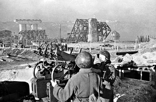 W połowie października 1943 r. wojska sowieckie były wystarczająco silne do podjęcia zmasowanego ataku w celu ostatecznego utrwalenia dotychczasowych sukcesów.