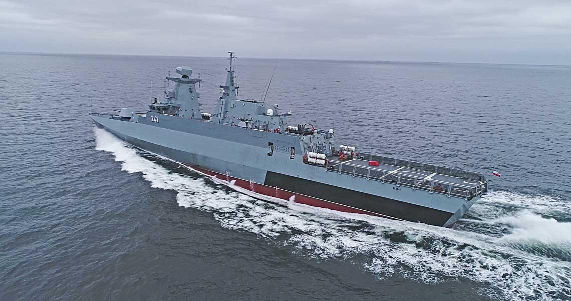 Najnowszy okręt Marynarki Wojennej RP – korweta patrolowa ORP Ślązak. Mimo upływu wielu lat od początku jej budowy, wciąż jest to jednostka nowoczesna, skrzywdzona brakiem pełnego zestawu uzbrojenia. Fot. Piotr Leoniak/MW RP via PGZ.