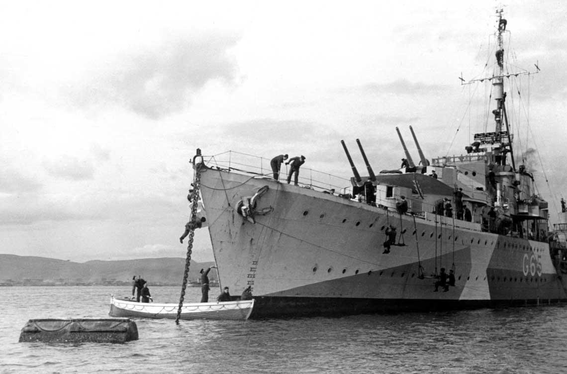 Polski niszczyciel ORP Piorun na kotwicowisku Scapa Flow w 1944r.