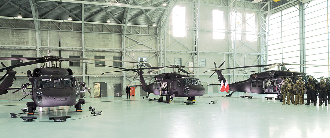 Trzy zczterech śmigłowców Sikorsky S-70i Black Hawk przekazanych Wojskom Specjalnym 20grudnia 2019 r.
