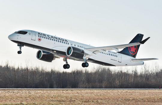 Airbus przekazał liniom lotniczym 48 szt. A220, z tego najwięcej otrzymały Delta Air Lines (24) iAirBaltic. Na zdjęciu: A220-300 w barwach Air Canada.
