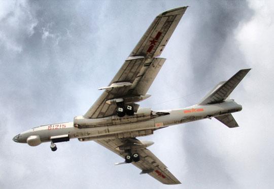 W 2000 r. przystąpiono do prac mających na celu zmodernizowanie samolotów H-6D do wersji H-6G, dostosowanej do przenoszenia nowych typów pocisków przeciwokrętowych.