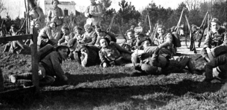 Pierwszym ruchem rządu w Pradze – w styczniu 1919 r. – była agresja na Polskę: legioniści czechosłowaccy pod Cieszynem...