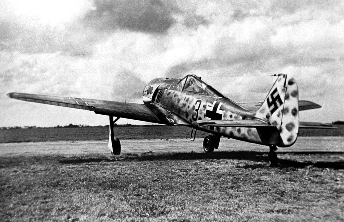 "Fw 190 A-2, ""czarna 3' z 5./JG 1, który pilotował Ofhr. Ernst Terborg; lotnisko Woensdrecht, lipiec 1942 r."